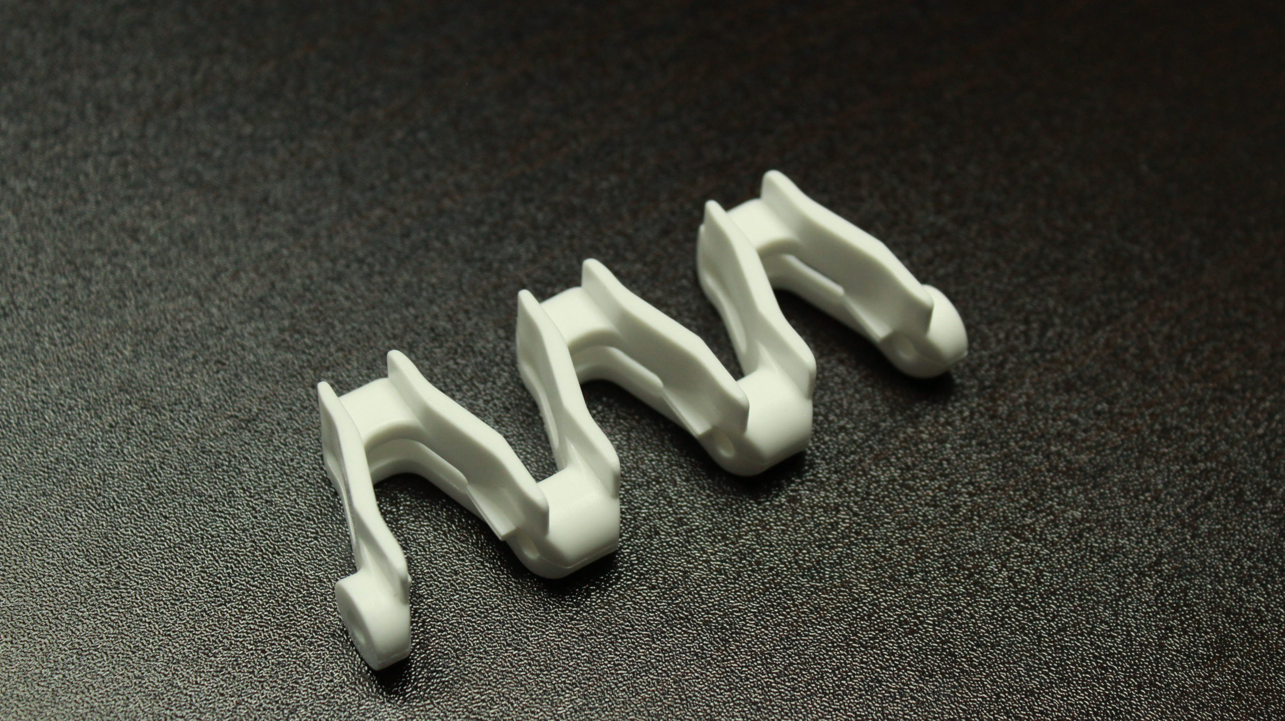 http://25MM%20SuperTight%20Acetal%206MM%20Raised%20Center%203%20Link